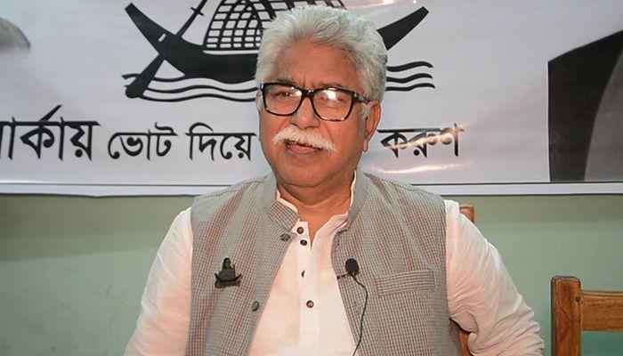 মইন উদ্দিন খান বাদল।