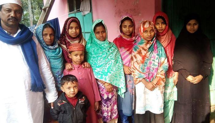 আজহারীর মাহফিলে ধর্মান্তরিত ১২ জনকে ভারতে ফেরত