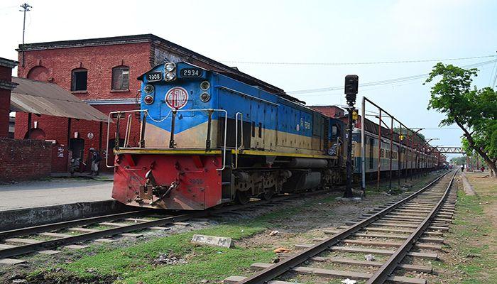 লালমনিরহাট রেলওয়েতে অর্ধশতাধিক শ্রমিক ছাটাই