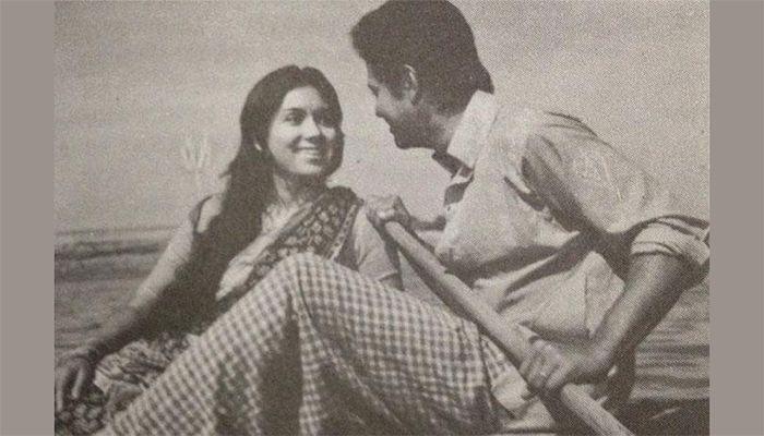১৯৭৫ সালে নায়ক ফারুকের সঙ্গে 'সুজন সখী' সিনেমার একটি দৃশ্যে কবরী।