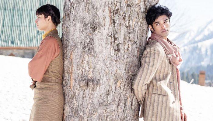 'কোয়ালা'র একটি দৃশ্যে স্বস্তিকা মুখার্জি ও  বাবিল খান