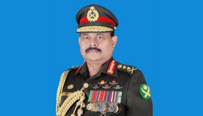সেনাবাহিনীর প্রধান জেনারেল আজিজ আহমেদ।