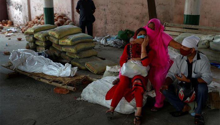 ভারতে করোনায় একদিনে সর্বোচ্চ ৪৩২৯ জনের মৃত্যু হয়েছে। ছবি : রয়টার্স