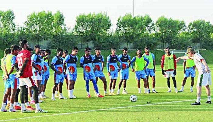 অনুশীলনে বাংলাদেশ ফুটবল দল। ছবি: সংগৃহীত