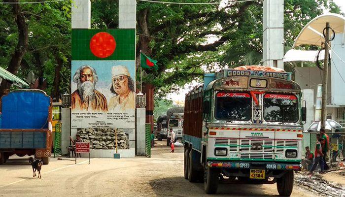 বেনাপোল স্থলবন্দর।
