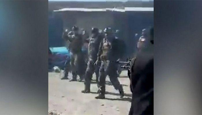আত্মসমর্পণে ইচ্ছুক ২২ আফগান কমান্ডোকে হত্যা করেছে তালেবান যোদ্ধারা। ছবি: সিএনএন