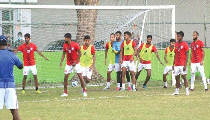 অনুশীলনে বাংলাদেশ ফুটবল দল